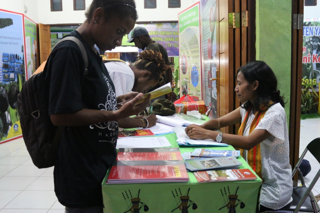 Pameran Rumah Peradaban Festival Danau Sentani IX 2016